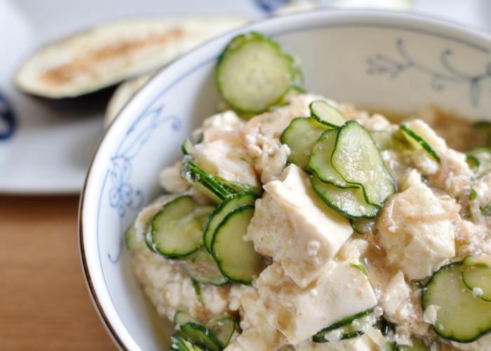 Close up image of hiyajiru, with tofu and cucumber
