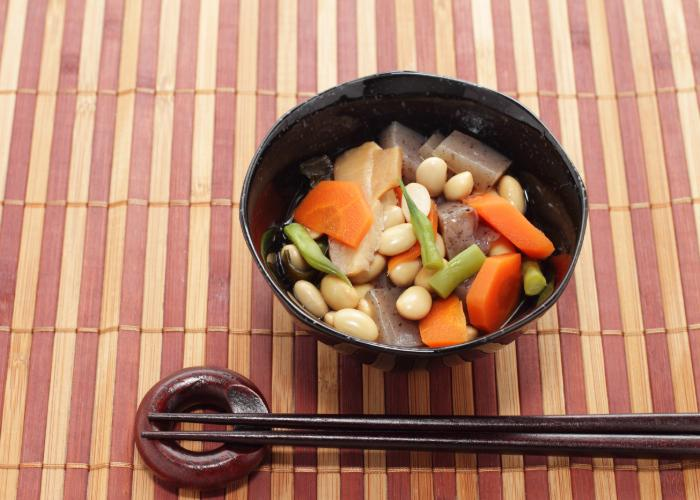 Bowl of Noppe stew from Niigata on a bamboo mat