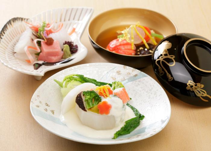Kyoto Obanzai, local ingredients cooked in Kyoto and displayed beautifully on Japanese ceramics and lacquerware