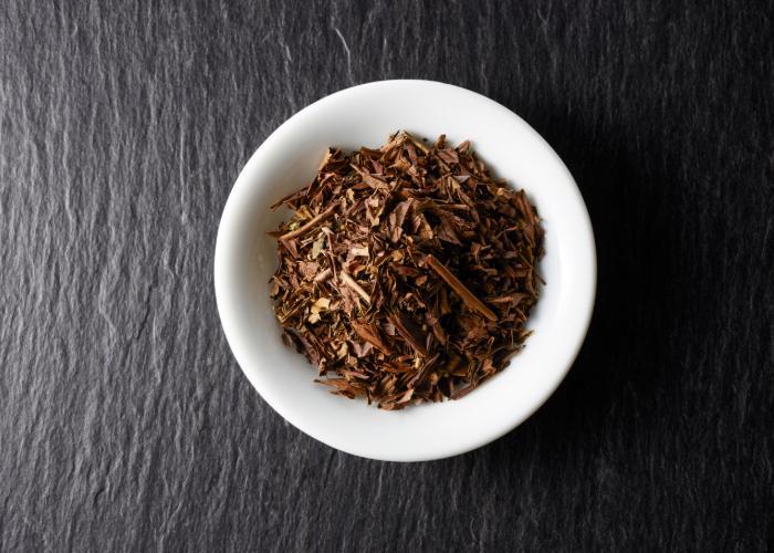 Houjicha tea leaves in a dish
