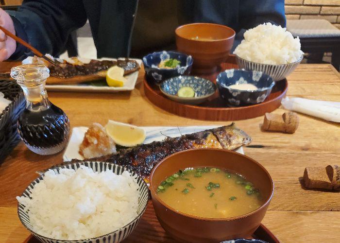 Grilled mackerel set at Shukou Biyori Ateniyoru with miso soup and rice