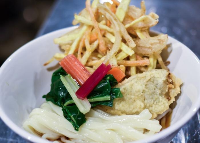 Sanuki udon with kakiage tempura