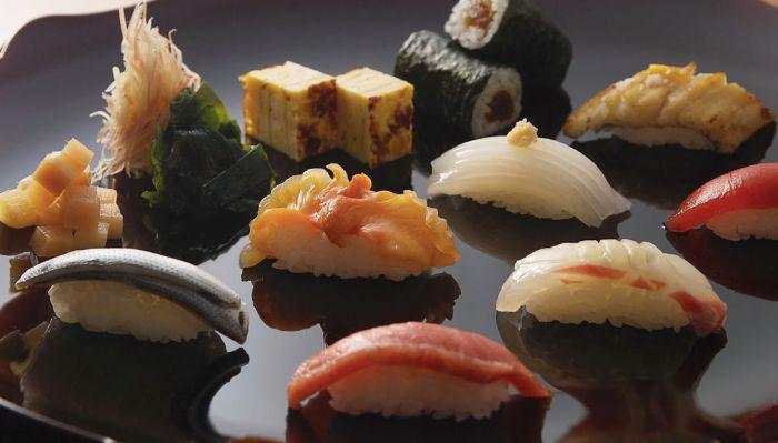 Sushi course menu at Ginza Seamon