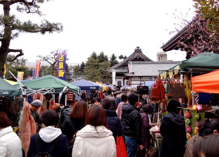 Various kind of handicraft products are sold in the bustling market