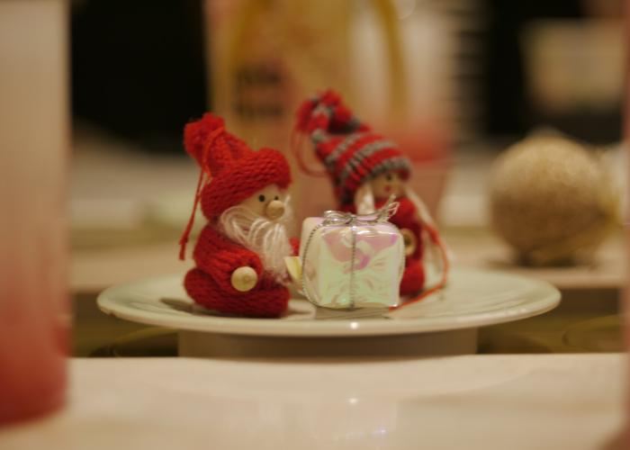 Little elves with gifts.