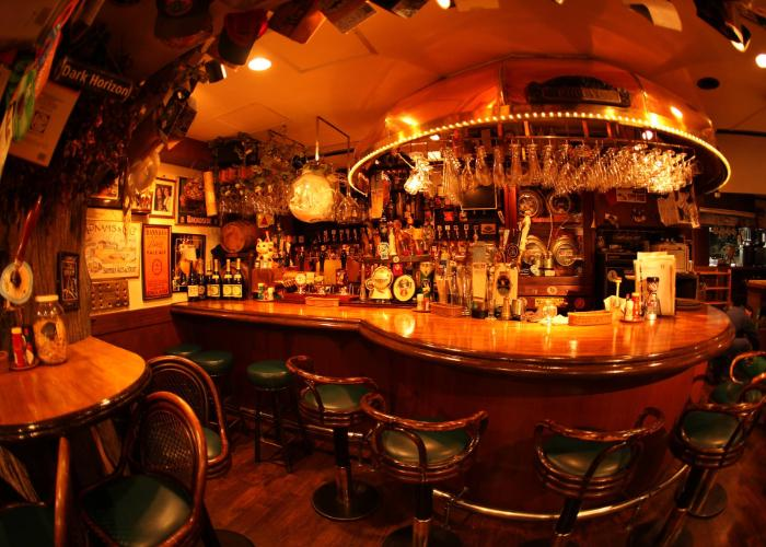 With yellowish tone the old-school bar looks warm and nostalgic.