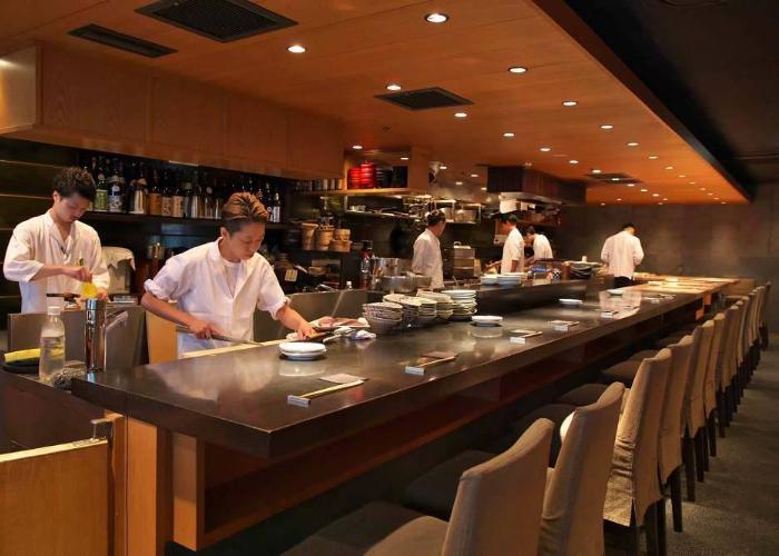 Namikibashi Nakamura Honten izakaya and sake bar
