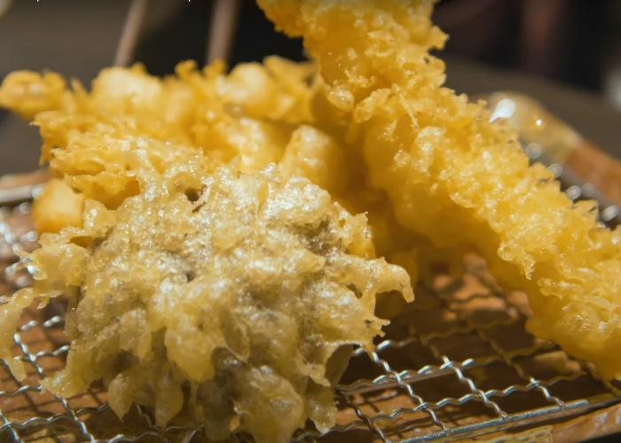 Several pieces of crispy halal tempura