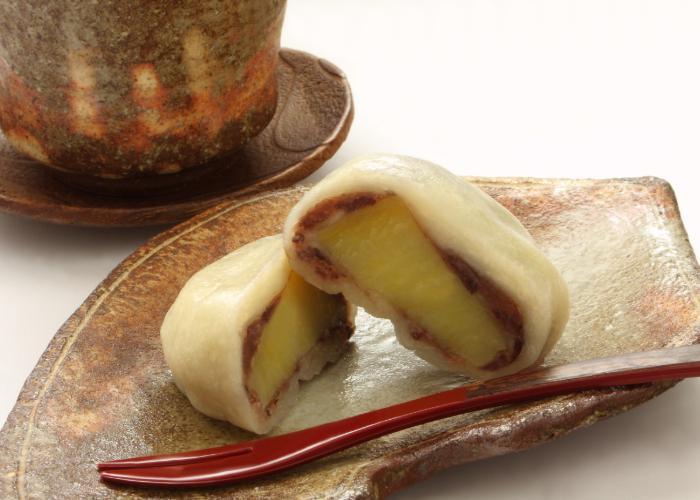 Close up photo of an ikinari dango cut in half